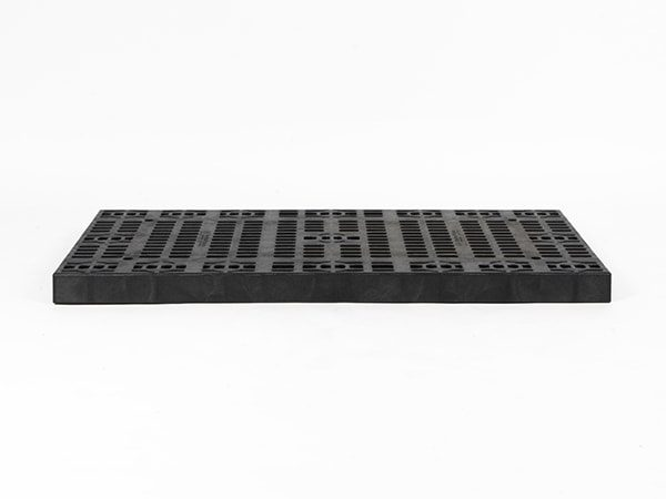 front view of plastic 48x24 Grid Top