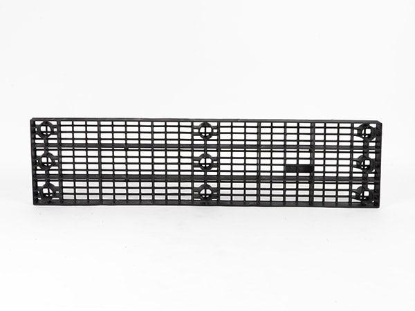 underside view of plastic 66x16 Grid Top